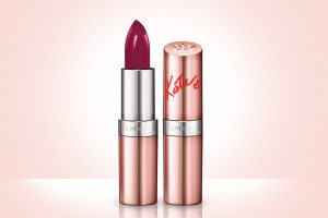 Rimmel-Kate 15th-Retro Red #53-product shot closed with background-45aed