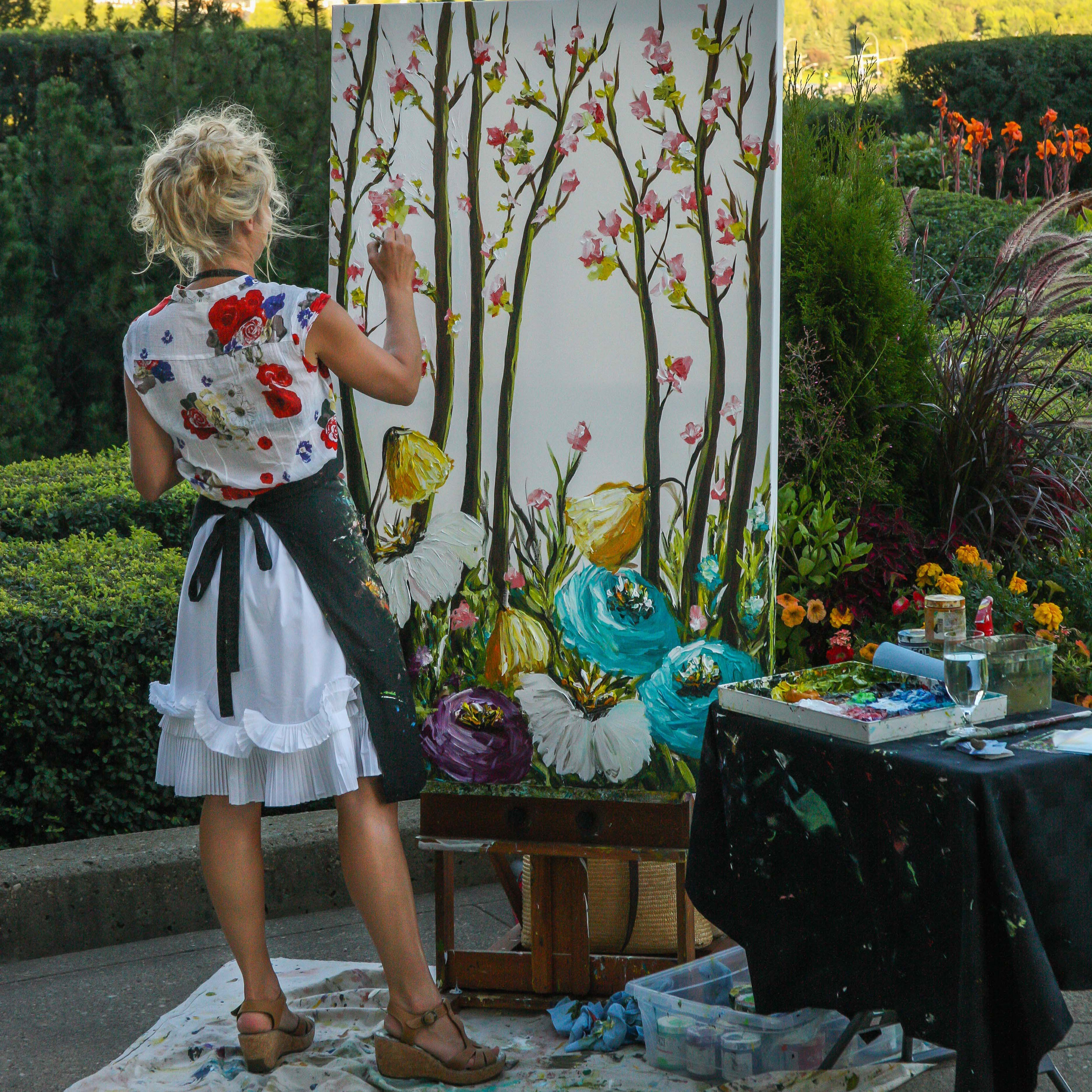 Live Performance Painting at Raffles Dubai