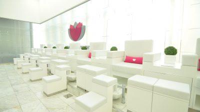 The White Room Spa's Optimizer Treatment Facial + Mani/Pedi Review